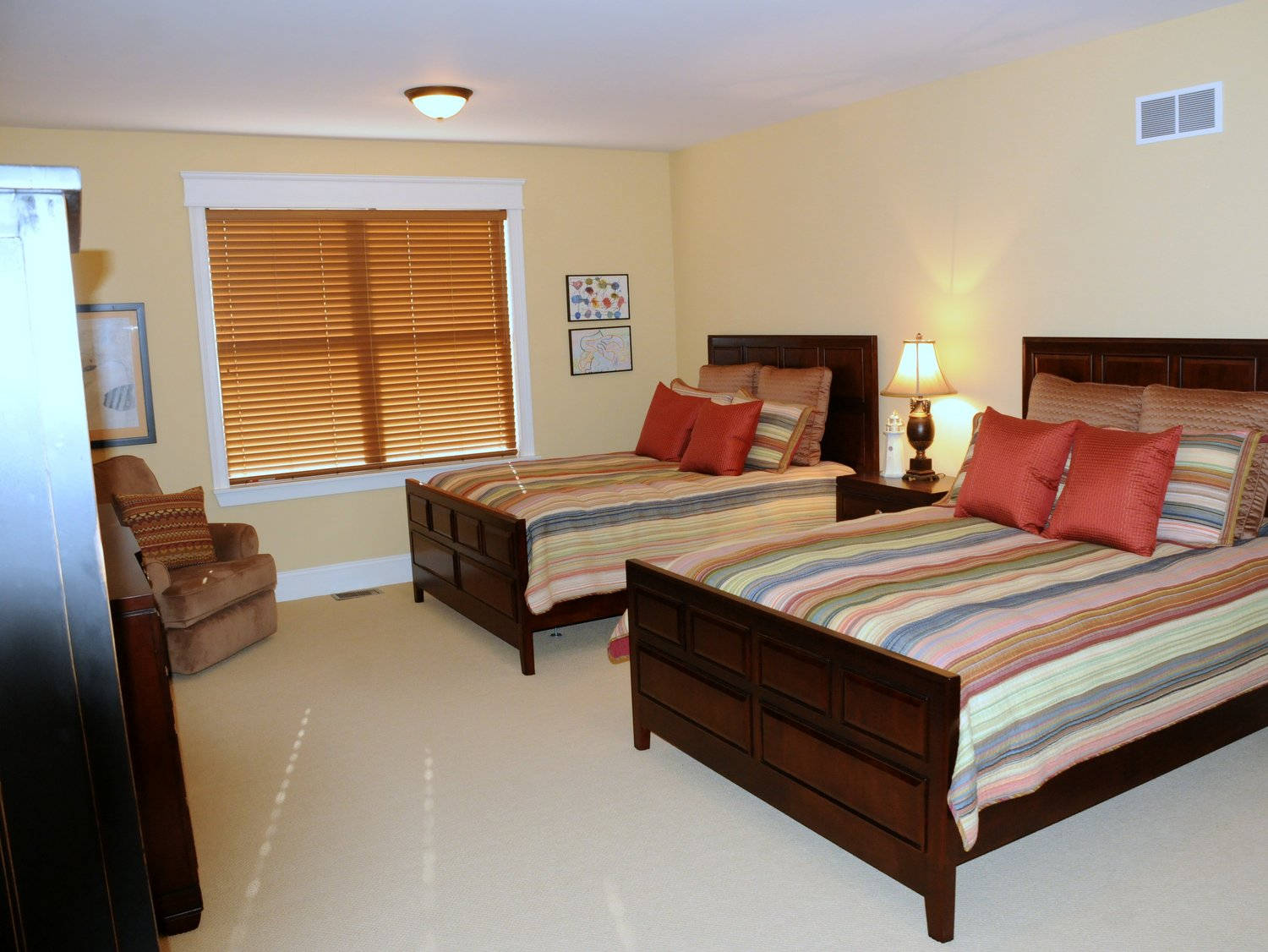 Third Bedroom with shared beds for guests or children