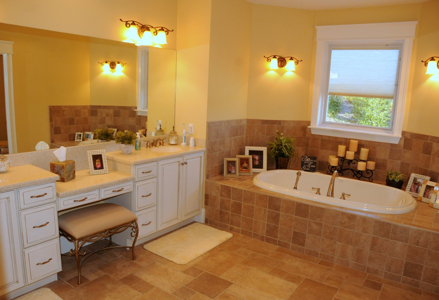 Master Bath with his/her vanity sinks and whirlpool tub