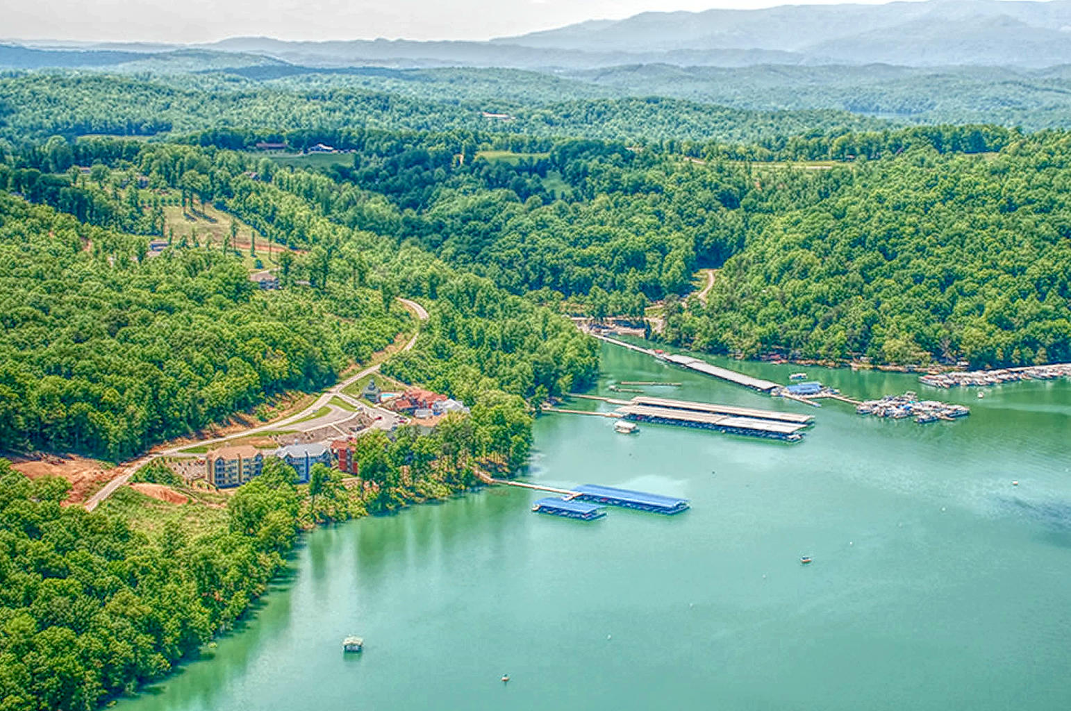 Aerial view of Yacht Club Condos in Andersonville, TN on Norris Lake