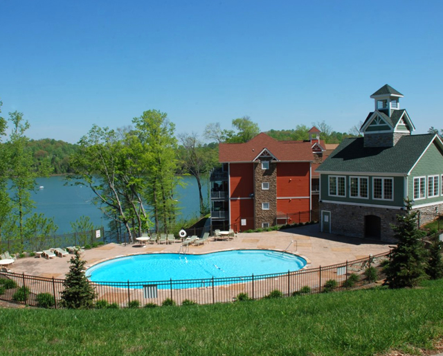 Community club house and swimming pool at Yacht Club Condos