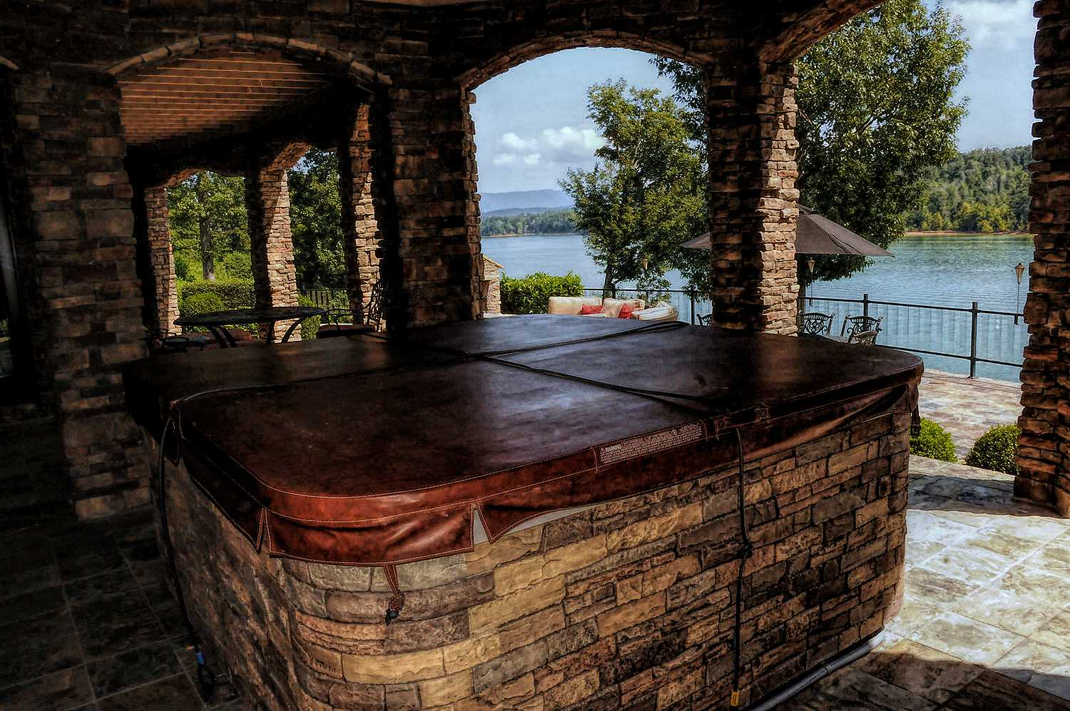 Outdoor hot tub with endless views of the lake