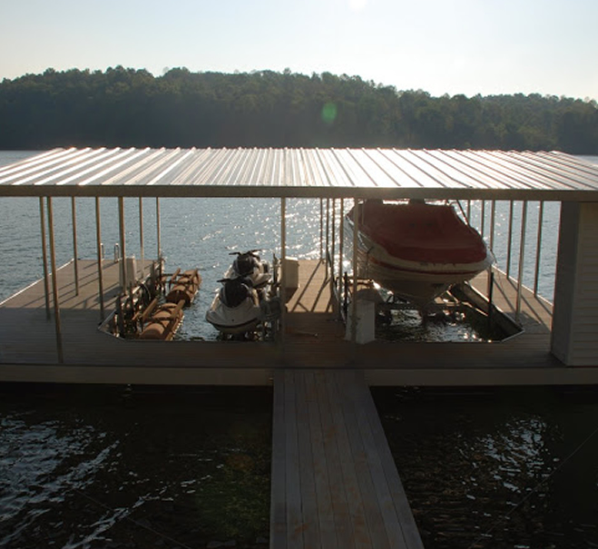 boat-dock-with-wood-walkway-norris-lake