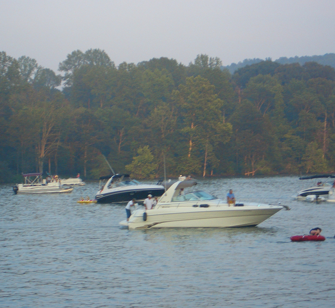 Boaters waiting for Fire on the Water