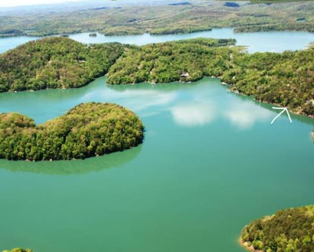 Lake property for sale at Norris Shores on Norris Lake