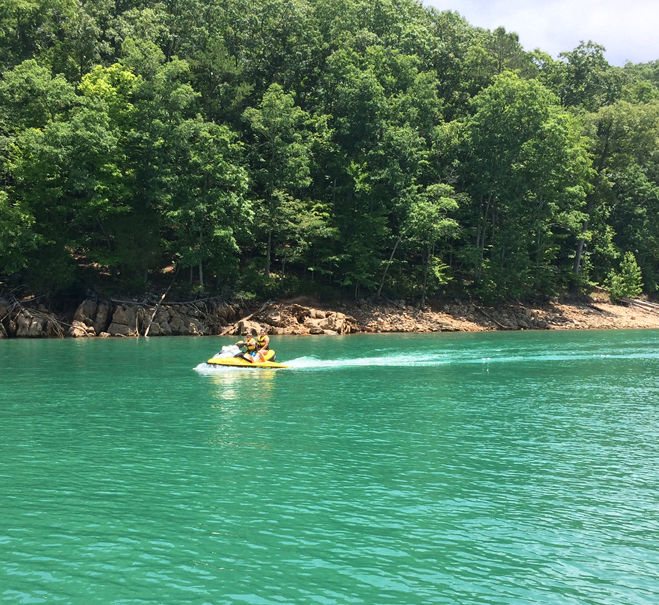 Jet ski rentals on norris lake norris lake tn for Norris lake fishing