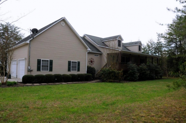 267 Mariner Point Rd - Lafollette, TN 37766