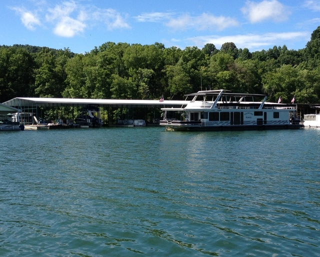 HouseBoat Rentals on Norris Lake