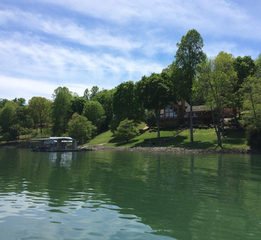 Home builders on norris lake norris lake tn for Lake house builders